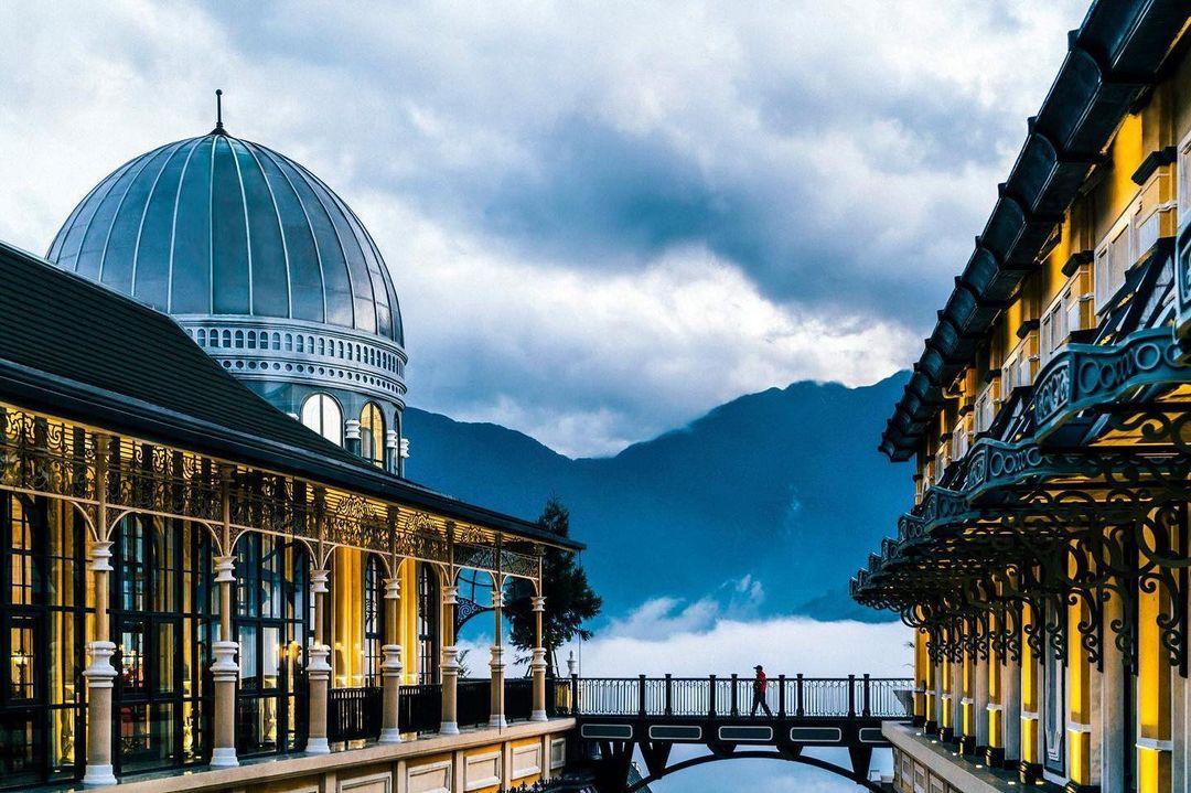 Chiếc cầu tuyệt tác của khách sạn quốc tế 5 sao