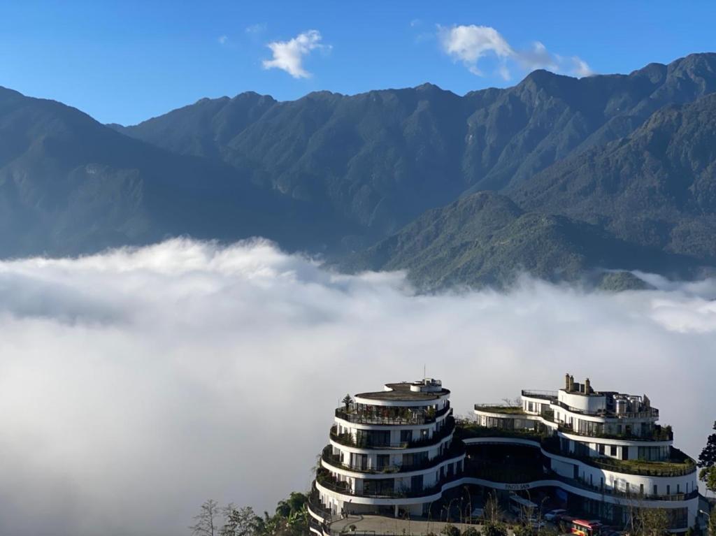 Cứ ngày nào Sapa nhiều mây thì Pao Sapa là nơi cảm nhận đầu tiên và rõ nhất