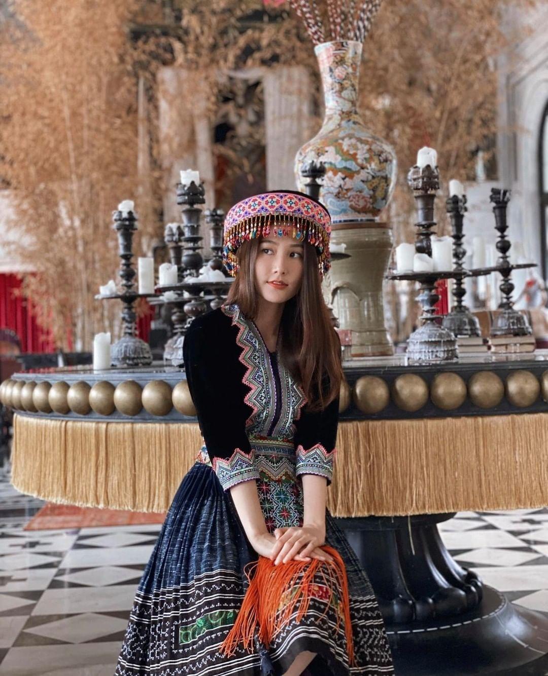 Diễm My 9x trong trang phục của người Mông