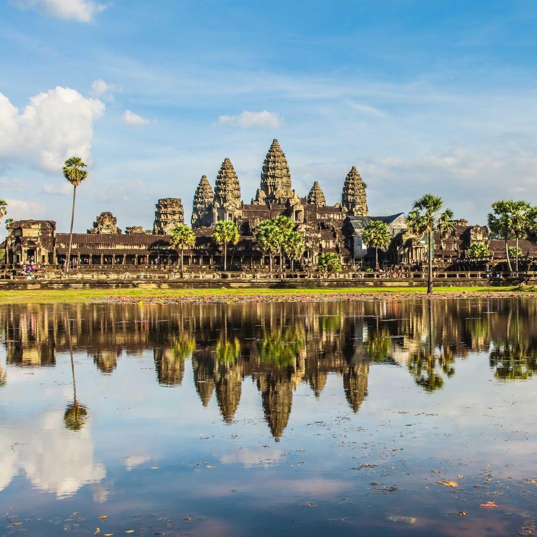 Campuchia mở cửa đón khách quốc tế